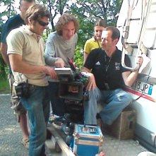 Val di Susa - 22 giugno 2008 - Il regista Umberto Spinazzola sul set de L'ultimo crodino controlla la ripresa con la troupe