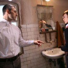 Filippo Timi e Alvaro Caleca in una scena del film Come Dio comanda
