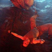 Brendan Fraser in una scena del film Viaggio al centro della Terra 3D