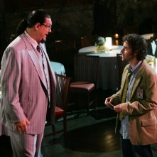 David Krumholtz e Penn Jillette nell'episodio 'Magic Show' della serie tv Numb3rs