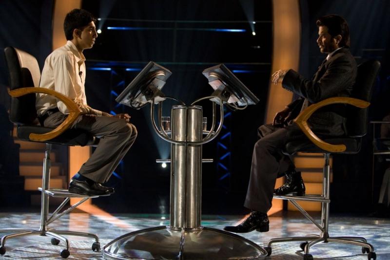 Dev Patel E Anil Kapoor In Una Scena Del Film Slumdog Millionaire 96166
