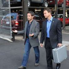 Gary Sinise e Scott Wolf in un momento dell'episodio 'My Name is Mac Taylor' della serie tv CSI NY