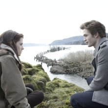 Kristen Stewart e Robert Pattinson in una scena del film Twilight