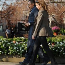 Melina Kanakaredes insieme a  Hill Harper in una scena dell'episodio 'My name is Mac Taylor' della serie tv CSI New York