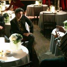 Peter MacNicol, David Krumholtz e Penn Jillette nell'episodio 'Magic Show' della serie tv Numb3rs