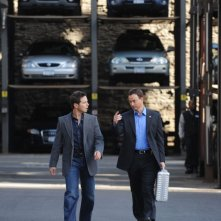 Scott Wolf e Gary Sinise in un momento dell'episodio 'My Name is Mac Taylor' della serie tv CSI NY