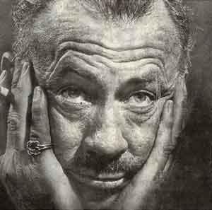 Una Foto Dello Scrittore John Steinbeck 96021