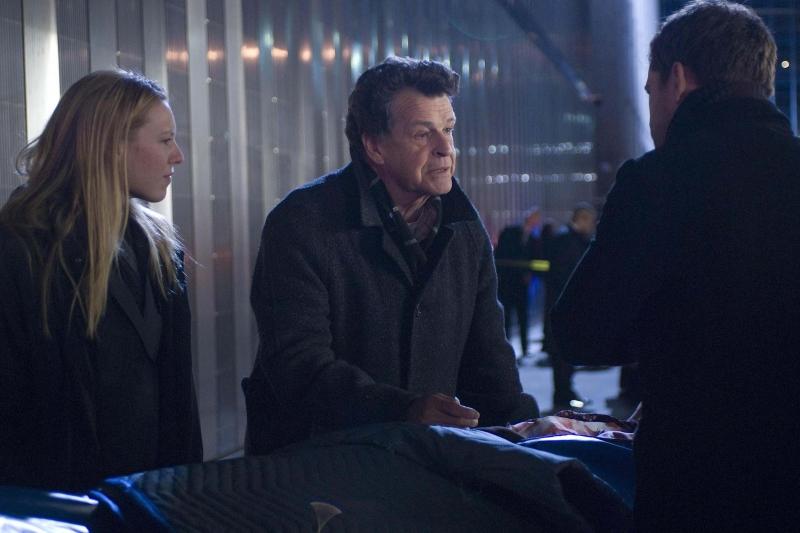 Anna Torv Joshua Jackson E John Noble In Una Scena Dell Episodio The Dreamscape Di Fringe 96348