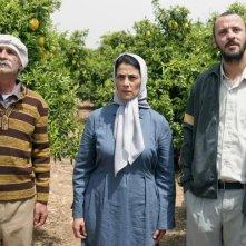 Hiam Abbass e Ali Suliman in un'immagine del film Il giardino di limoni