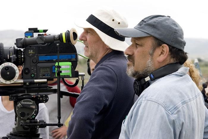Il Direttore Della Fotografia Rainer Klausmann E Il Regista Eran Riklis Sul Set Del Film L Albero Di Limoni 96324