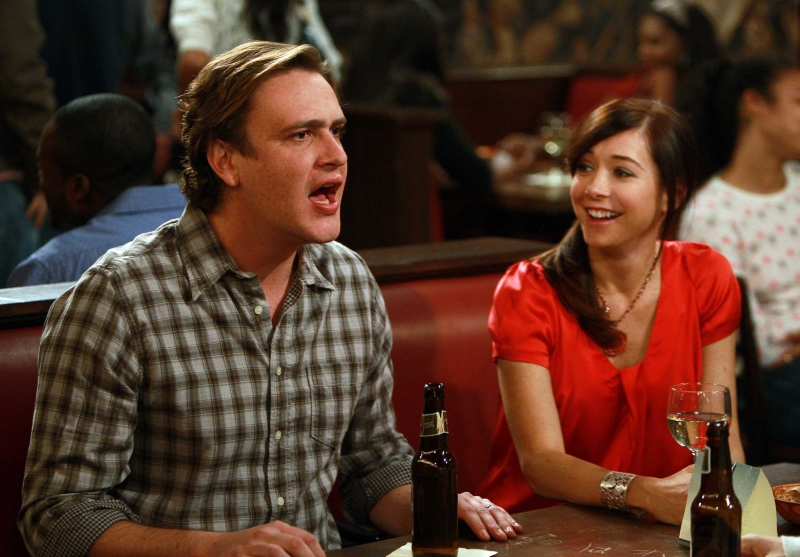 Jason Segel Ed Alyson Hannigan In Una Scena Dell Episodio The Naked Man Di How I Met Your Mother 96372