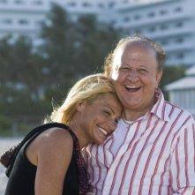 Simona Ventura e Massimo Boldi in un'immagine del film La fidanzata di papà