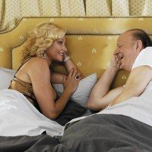 Simona Ventura e Massimo Boldi in una scena del film La fidanzata di papà
