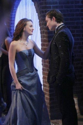 Ed Westwick  con Leighton Meester nell'episodio 'It's A Wonderful Lie' della serie tv Gossip Girl