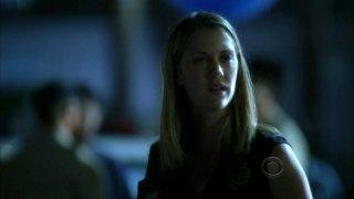 Lauren Lee Smith in una scena dell'episodio 'Say Uncle' della serie tv CSI