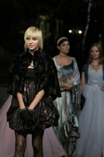 Taylor Momsen in una scena dell'episodio 'It's A Wonderful Lie' della seconda stagione di Gossip Girl