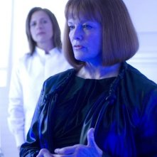 Blair Brown in una scena dell'episodio Safe di Fringe