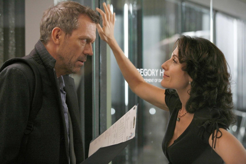 Hugh Laurie e Lisa Edelstein in una scena dell'episodio Let Them Eat Cake  di Dr.House: Medical Division