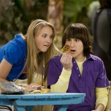 Mitchel Musso ed Emily Osment nell'episodio You Didn't Say It's Your Birthday di Hannah Montana