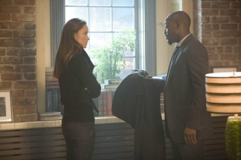 Olivia Wilde e Omar Epps in una scena dell'episodio Let Them Eat Cake  di Dr.House: Medical Division