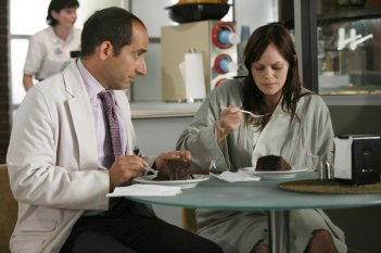 Peter Jacobson in una scena dell'episodio Let Them Eat Cake  di Dr.House: Medical Division