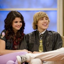 Selena Gomez e Cody Linley in una scena dell'episodio Che genere di amici siamo? di Hannah Montana