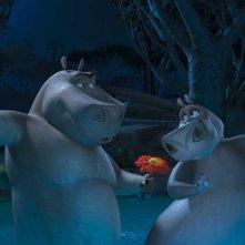 Gli ippopotami Moto Moto e Gloria in una scena del film Madagascar 2