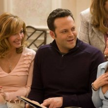 Jeanette Miller, Vince Vaughn e Reese Witherspoon in una scena del film Four Christmases
