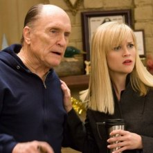 Robert Duvall e Reese Witherspoon in una scena del film Four Christmases
