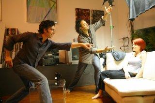 Il regista Attilio Azzola, il direttore della fotografia Valerio Ferrario e l'attrice Roisin Grieco sul set del film Diari