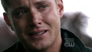 Jensen Ackles in una scena drammatica dell'episodio 'Heaven and Hell' della quarta stagione di Supernatural