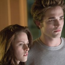 Kristen Stewart e Robert Pattinson in un'immagine del romantico Twilight
