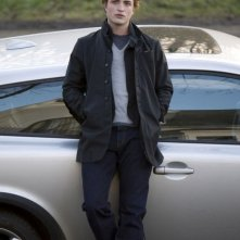 Robert Pattinson in una scena del film-evento Twilight