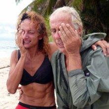 Carlo Capponi e Vladimir Luxuria durante il loro avventuroso soggiorno sull'Isola dei Famosi, nel 2008