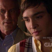 Ed Westwick con Robert John Burke nell'episodio 'Le strade si dividono' della serie tv Gossip Girl