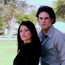Genevieve Cortese e Micah Alberti in un'immagine promozionale della prima stagione della serie tv Wildfire
