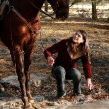 Genevieve Cortese nel ruolo di Kris Furillo nella prima stagione della serie tv Wildfire