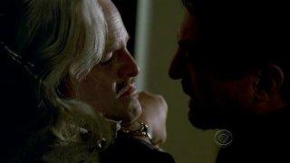 Joe Mantegna con Jason Alexander in un momento dell'episodio 'Masterpiece' della serie tv Criminal Minds