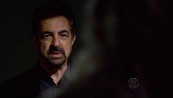 Joe Mantegna in una scena dell'episodio 'Masterpiece' della serie tv Criminal Minds