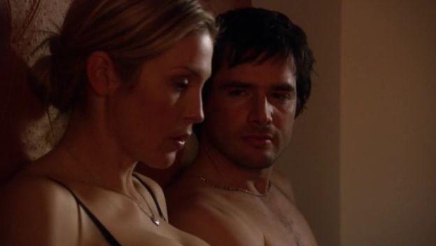 Kelly Rutherford E Matthew Settle In Una Scena Dell Episodio Le Strade Si Dividono Della Serie Tv Gossip Girl 97706