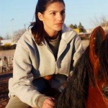 Kris, interpretata daGenevieve Cortese, nella prima stagione della serie tv Wildfire