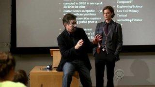 Matthew Gray Gubler e Joe Mantegna in una scena dell'episodio 'Masterpiece' della serie tv Criminal Minds