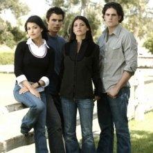 Ryan Sypek, Nicole Tubiola, Genevieve Cortese e Micah Alberti in un'immagine promozionale della prima stagione della serie tv Wildfire