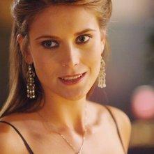 Charlotte Salt  in una scena dell'episodio 'Una scelta difficile' della terza stagione di Wildfire