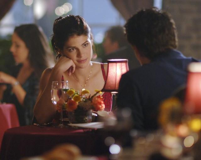 Genevieve Cortese Durante Una Scena Dell Episodio Diplomazia Della Serie Tv Wildfire 97959