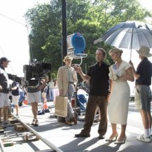 Il regista Sam Mendes e Kate Winslet sul set del film Revolutionary Road