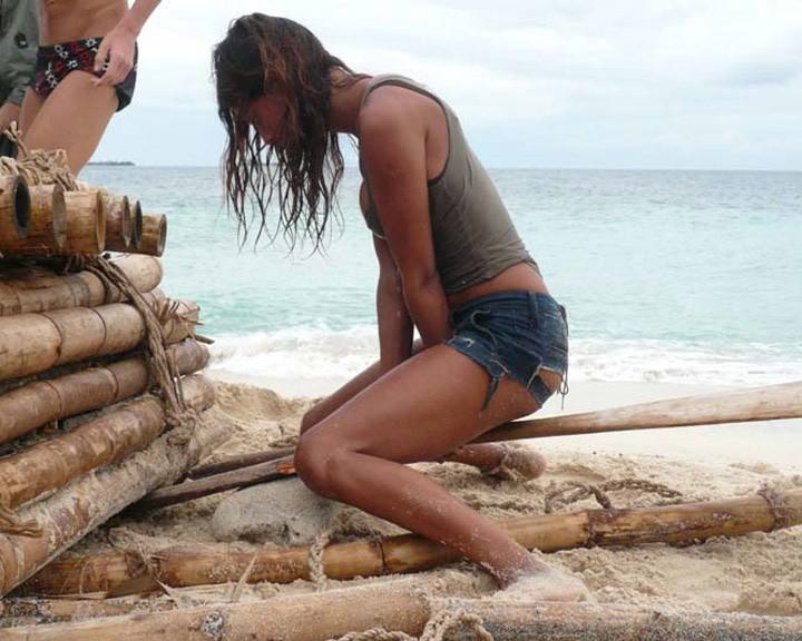 Isola Dei Famosi 6 Jeans Strappati E Grinta Per Belen Rodriguez 97734