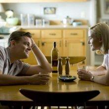 Leonardo DiCaprio e Kate Winslet in una scena di Revolutionary Road