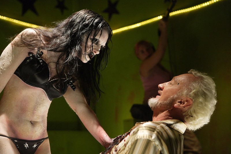 Robert Englund In Un Immagine Del Film Zombie Strippers 97768