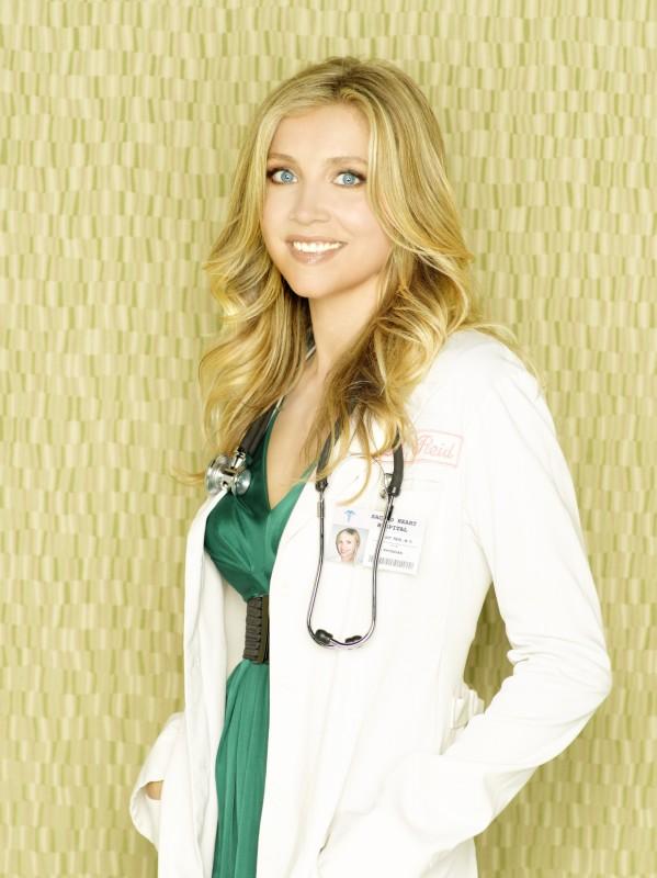 Una Sorridente Sarah Chalke In Una Immagine Promozionale Dell Ottava Stagione Di Scrubs 97905